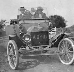 Seimos automobilis 1900m