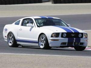 lenktyninis automobilis Mustangas