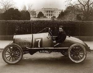 senovinis lenktyninis automobilis