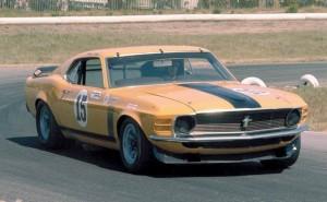 sportinis automobilis mustangas